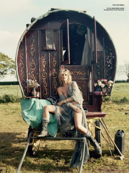Kate & the Gypsies | Kate Moss by Iain McKell
