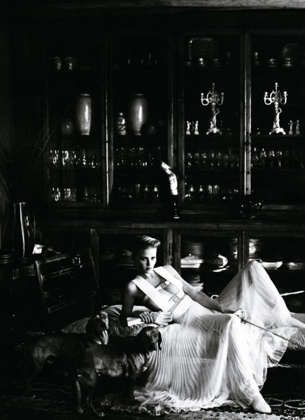 Lara Stone by Mario Testino for Vogue US January 2011