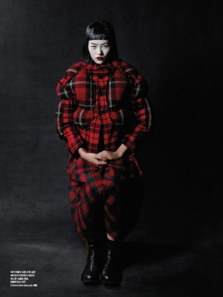 Liu Wen by Yelena Yemchuk in Comme des Garçons | <em>Harper&#8217;s Bazaar Korea</em> October 2010