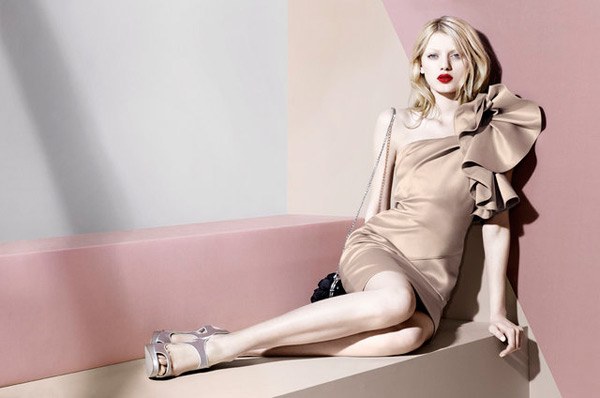 Bregje Heinen for Karen Millen Fall 2010 | Campaign Preview
