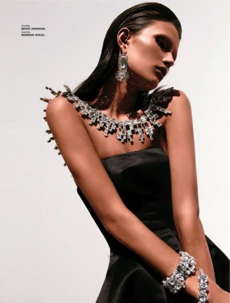 Tara Gill by Alexander Neumann for Elle Latin America October 2010