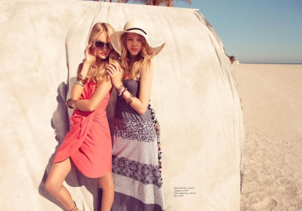 Lindsay Ellingson &#038; Skye Stracke by Benjamin Alexander Huseby for <em>H&#038;M Magazine</em> Summer 2010