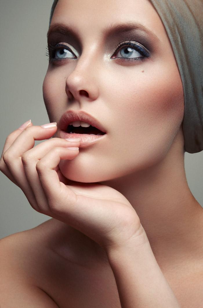 Emily Van Raay Poses in Beauty Snaps by Jeff Tse  e55116565