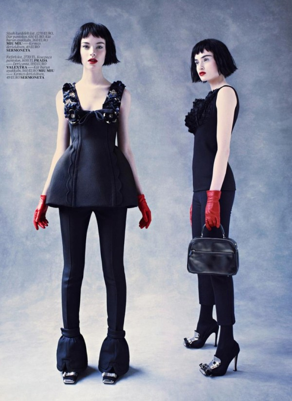 Gwen Loos & Pauline van der Cruysse for Vogue Turkey November 2010 by Mariano Vivanco