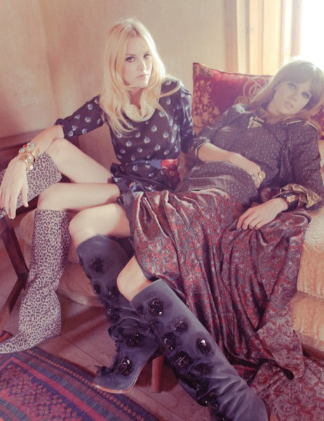 Ashley Smith & Masha Novoselova by Ahmet Polat for <em>Vogue Turkey</em>
