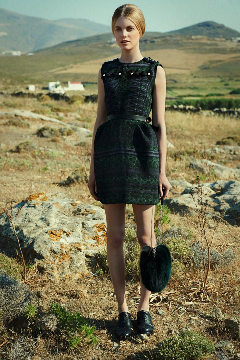 Leo Krumbacher Lenses a Louis Vuitton Romance for Weltwoche Stil Magazine