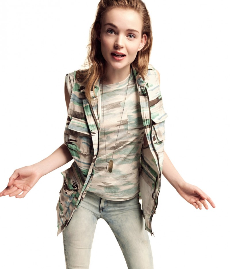 H&M Enlists Svea Kloosterhof for its Divided Collection