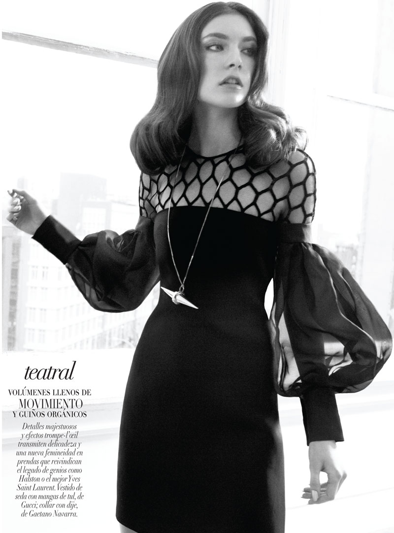 Jacquelyn Jablonski is 70s Chic in Gucci for Vogue Latin America's January 2013 Cover Shoot
