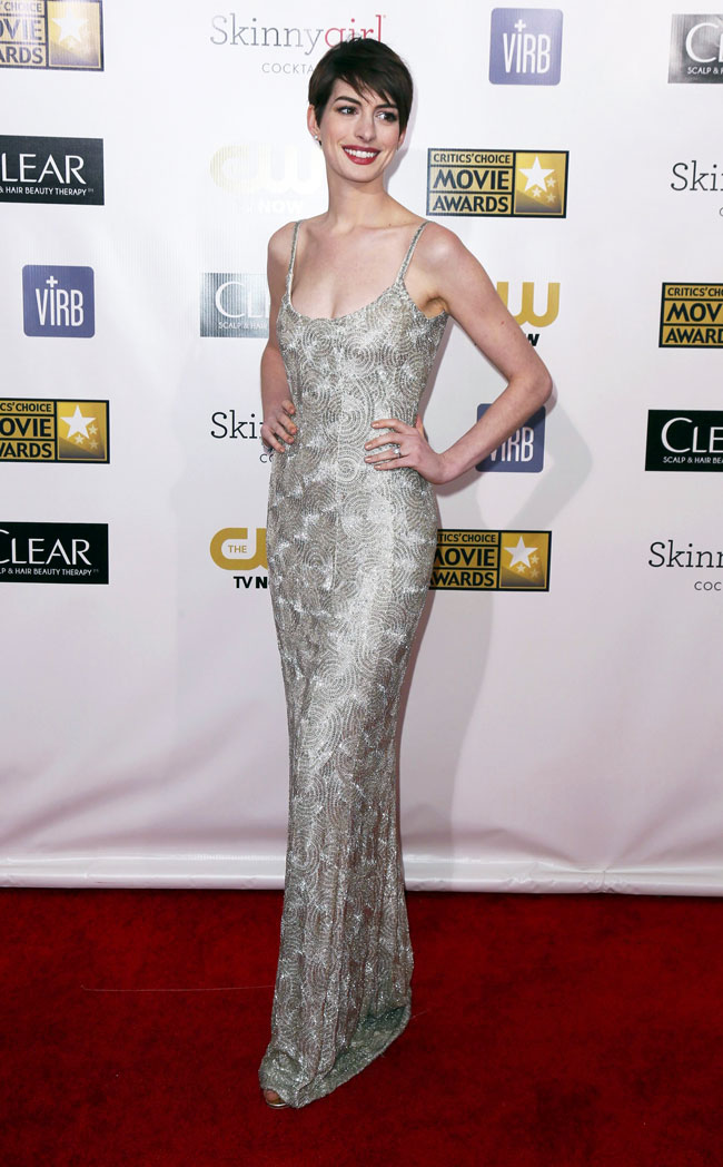 Anne Hathaway in Oscar de la Renta at the 18th Annual Critics' Choice Awards
