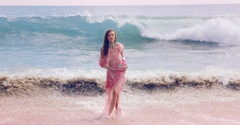 """Karlie Kloss Hits the Beach in Juicy Couture's """"Couture La La"""" Fragrance Commercial"""
