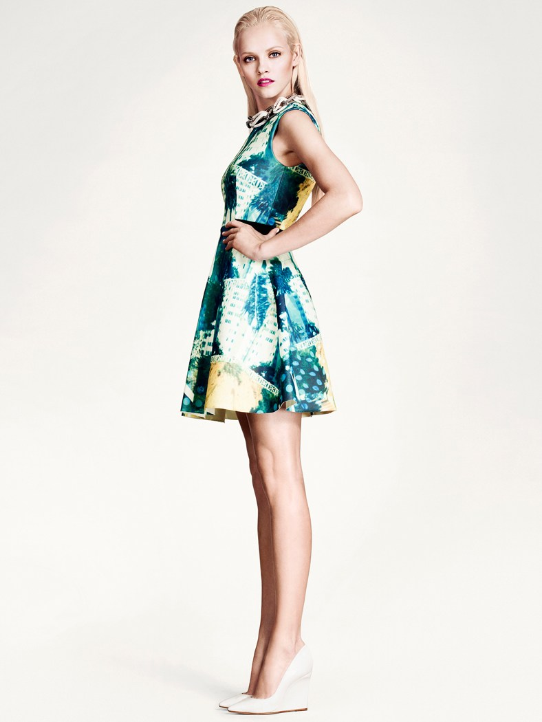 """Ginta Lapina Models H&M's """"Modern Retro"""" Looks for Spring"""