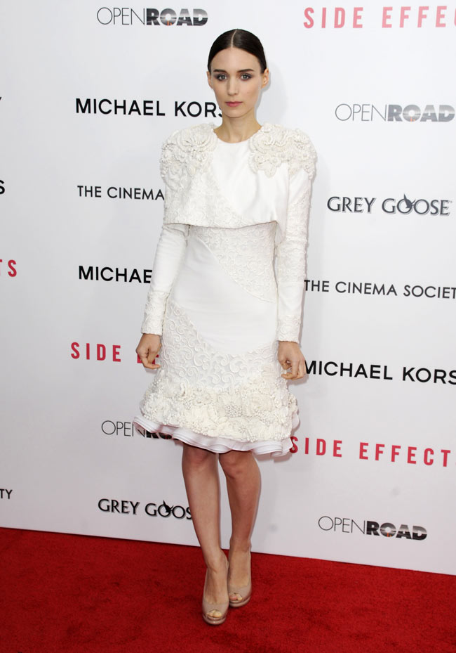 """Rooney Mara in Alexander McQueen at the """"Side Effects"""" New York Premiere"""
