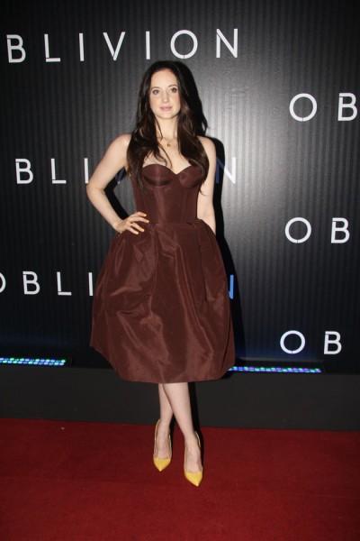 """Andrea Riseborough in Rochas at the """"Oblivion"""" Rio de Janeiro Premiere"""