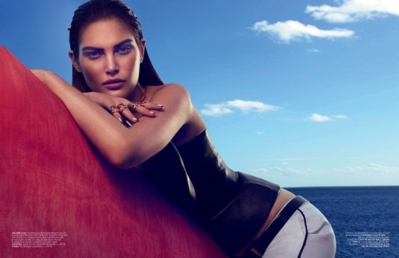Catherine McNeil Sports Sleek Spring Looks for Vogue Turkey