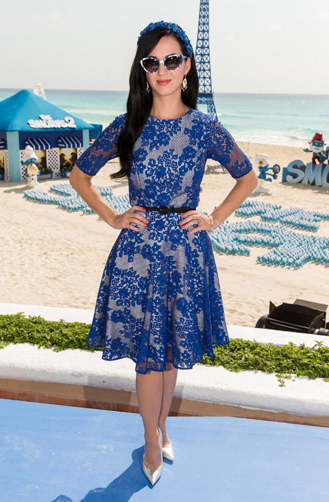 "Katy Perry is Ladylike in Monique Lhuillier at ""The Smurfs 2"" Photocall in Cancun"