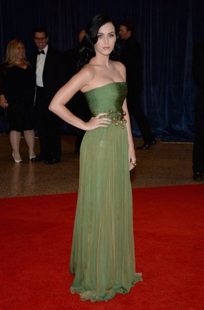 Katy Perry Wears Giambattista Valli at the 2013 White House Correspondents' Association Dinner