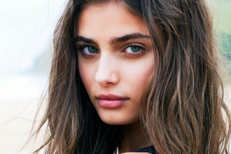 taylor-hill-della-bass8