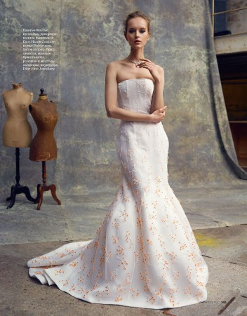Iza Olak Dons Haute Couture for Elle Russia May 2013 by Åsa Tällgård