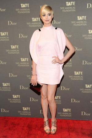 Anne Hathaway is a Givenchy Blonde at the 2013 Tate Americas Foundation Artists Dinner