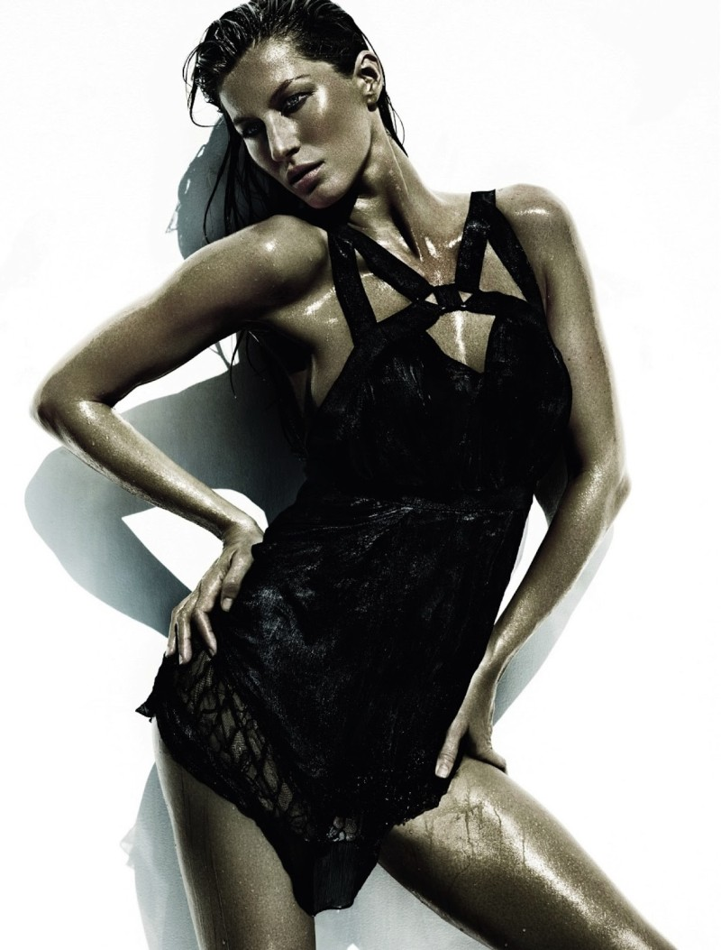 Gisele Bundchen Wows for Vogue Brazil June 2013 by Mario Testino