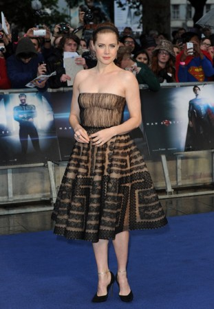 "Amy Adams Dons Valentino at ""The Man of Steel"" London Premiere"