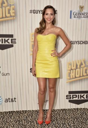 Jessica Alba Wears Atelier Versace at Spike TV's Guys Choice Awards 2013