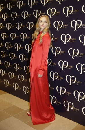 Amanda Seyfried Wears Givenchy at Shiseido's 'Clé de Peau Beauté' Dinner