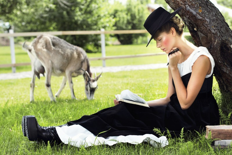 Amish1 800x533 Yuliana Dementyeva Lives the Amish Life for Elle Ukraine August 2013 by Nikolay Biryukov