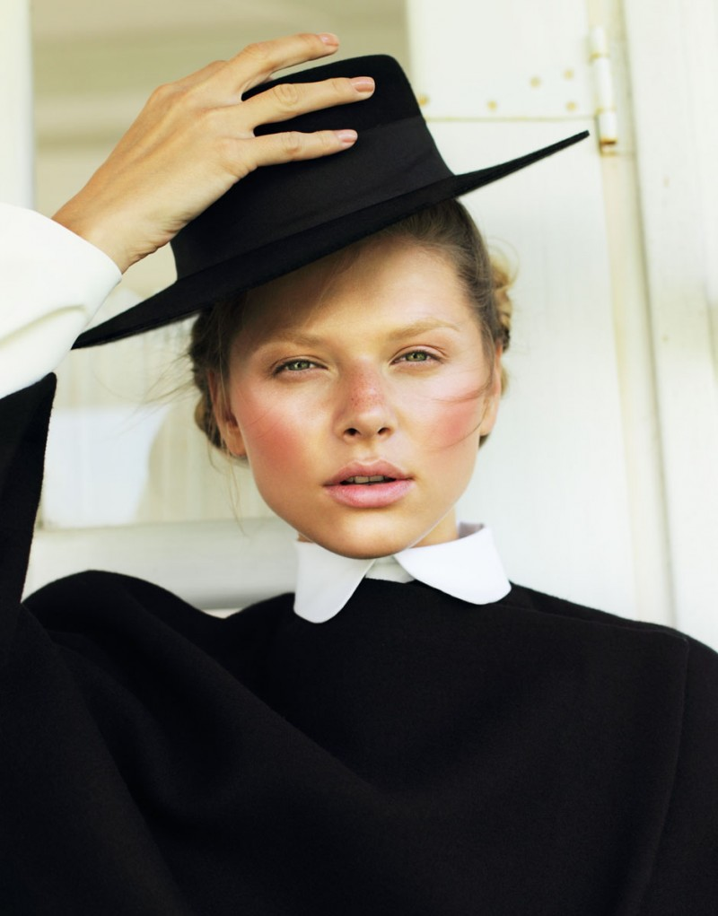 Amish9 800x1021 Yuliana Dementyeva Lives the Amish Life for Elle Ukraine August 2013 by Nikolay Biryukov
