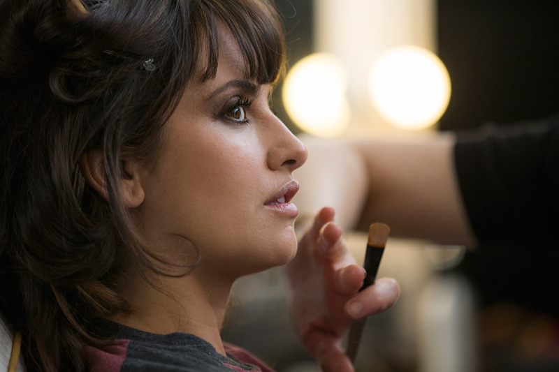 Loewe BTS FINALS Hi RES 6984 OK PC Penélope Cruz Returns for Loewe Fall 2013 Campaign by Mert & Marcus