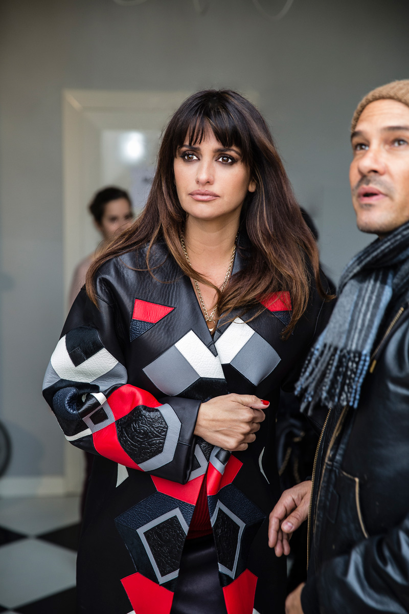 Loewe BTS FINALS Hi RES 7228 OK PC Penélope Cruz Returns for Loewe Fall 2013 Campaign by Mert & Marcus