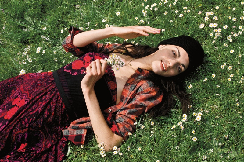 UO early fall4 Urban Outfitters Goes to Paris Countryside for Early Fall Catalog