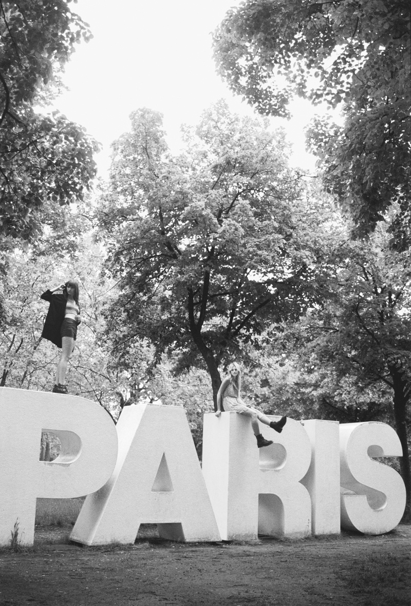 UO early fall5 Urban Outfitters Goes to Paris Countryside for Early Fall Catalog