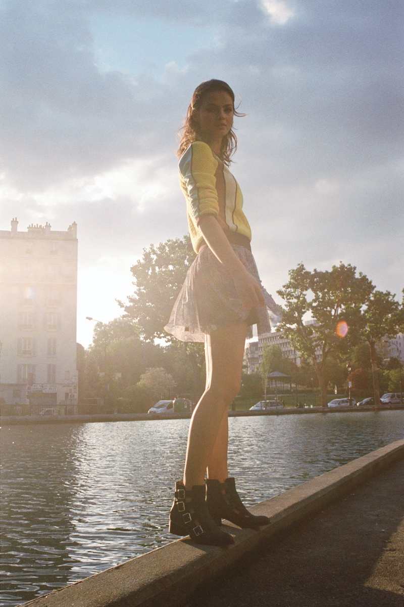 UO early fall8 Urban Outfitters Goes to Paris Countryside for Early Fall Catalog