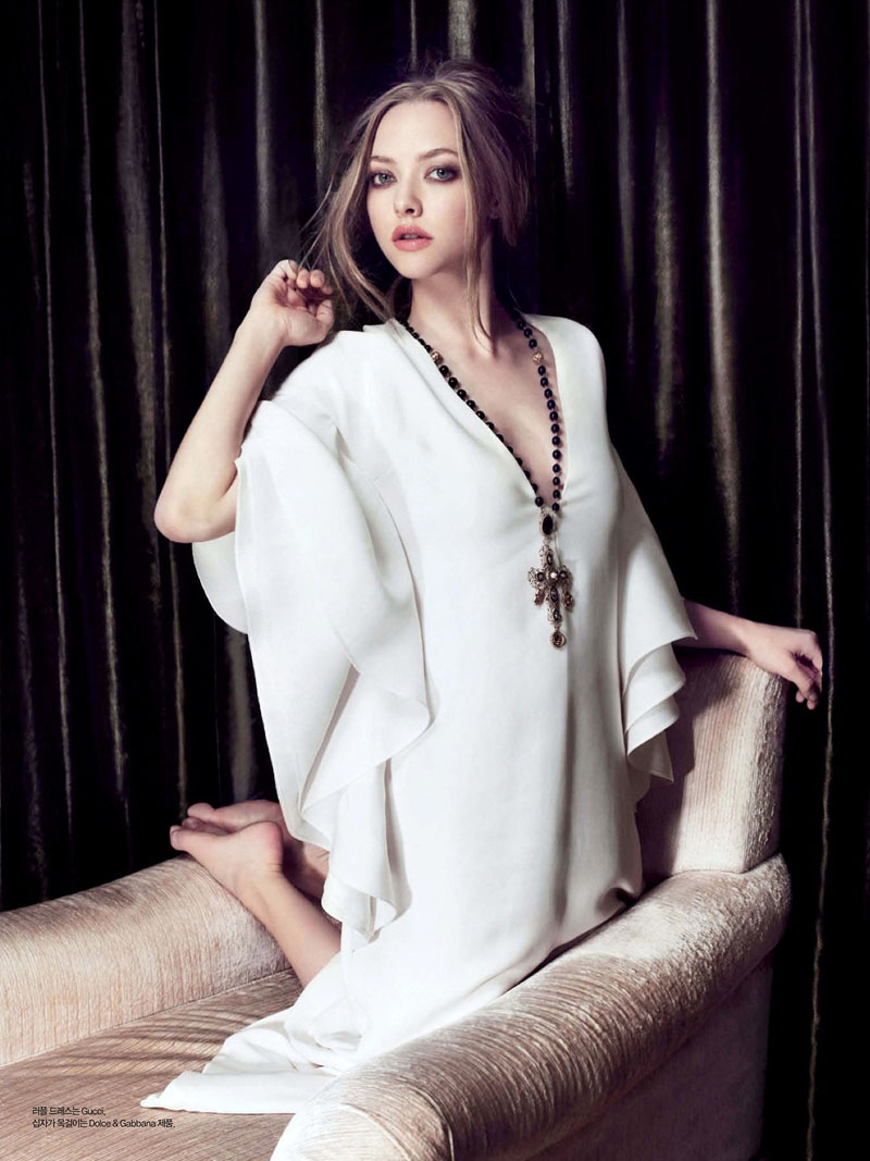 amanda seyfried shoot6 Amanda Seyfried Smolders in Harpers Bazaar Korea July 2013