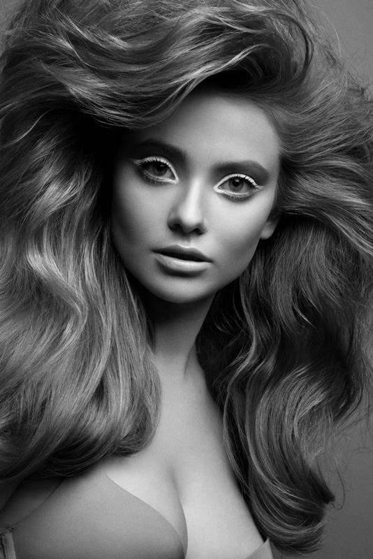 bw3 Black and White Beauty by Jeff Tse