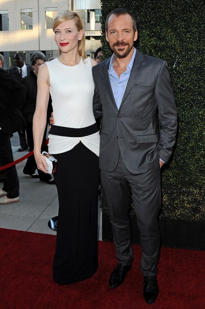 cate blanchett mcqueen2 Cate Blanchett Wears Alexander McQueen to the Blue Jasmine Premiere