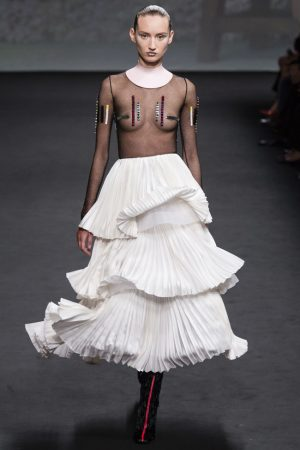 dior couture fall 2013 35 300x450 Dior Haute Couture Fall 2013 Collection