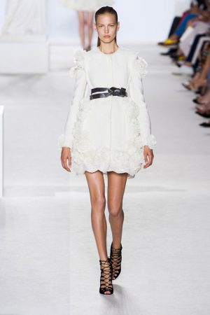 giambattista valli couture fall 2013 1 300x450 Giambattista Valli Fall 2013 Haute Couture Collection