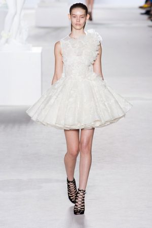 giambattista valli couture fall 2013 2 300x450 Giambattista Valli Fall 2013 Haute Couture Collection