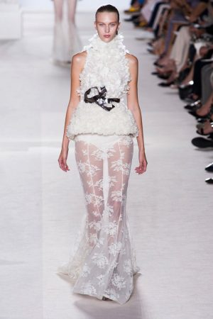 giambattista valli couture fall 2013 22 300x450 Giambattista Valli Fall 2013 Haute Couture Collection