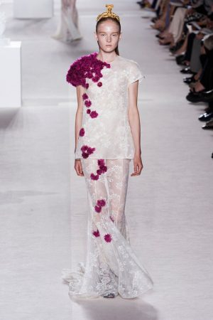 giambattista valli couture fall 2013 31 300x450 Giambattista Valli Fall 2013 Haute Couture Collection