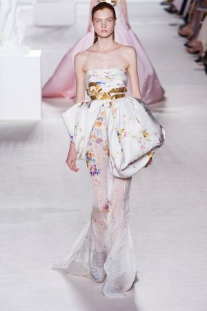 giambattista valli couture fall 2013 35 300x450 Giambattista Valli Fall 2013 Haute Couture Collection