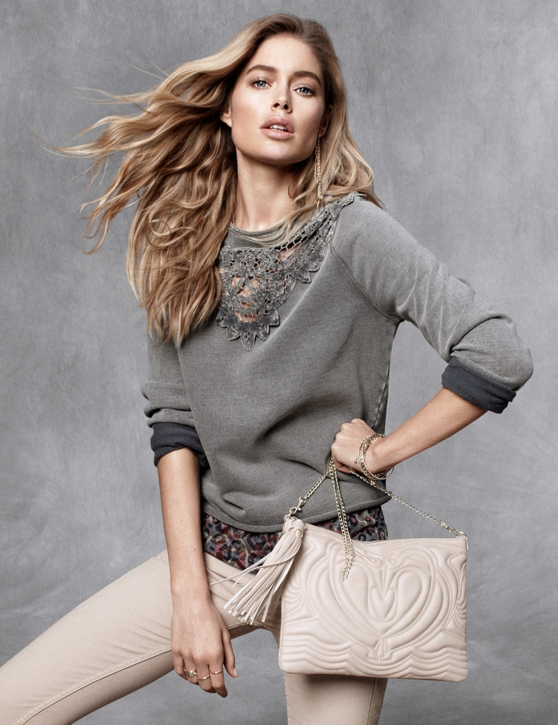 hm fall doutzen4 Doutzen Kroes Stars in H&M Fall Trend Update