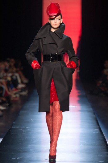 jean paul gaultier haute couture fall 16 350x524 Jean Paul Gaultier Fall 2013 Haute Couture Collection
