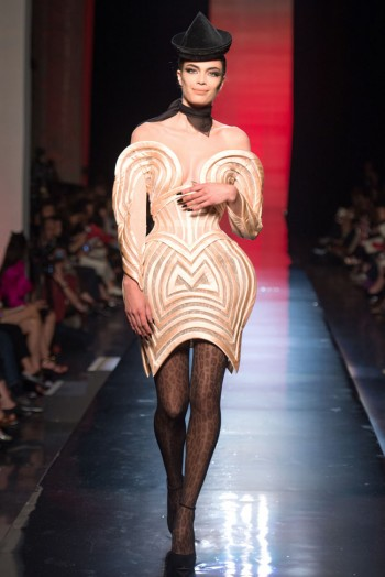 jean paul gaultier haute couture fall 41 350x524 Jean Paul Gaultier Fall 2013 Haute Couture Collection