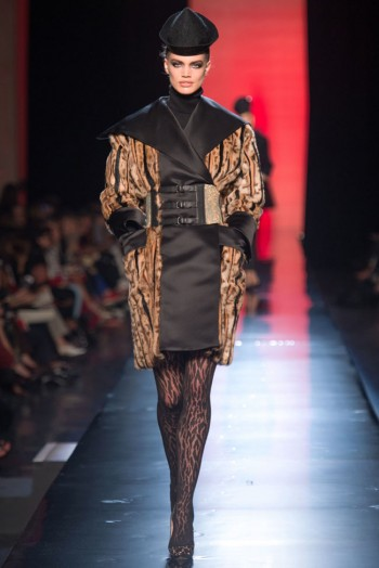 jean paul gaultier haute couture fall 6 350x524 Jean Paul Gaultier Fall 2013 Haute Couture Collection
