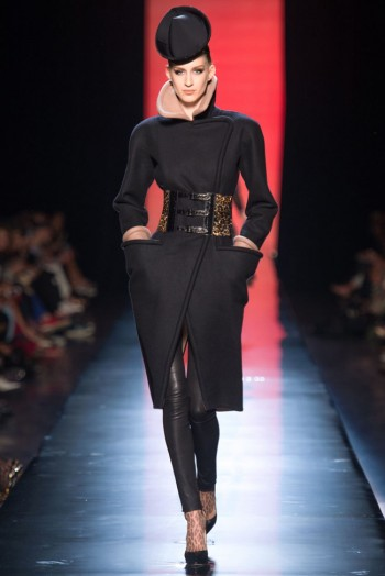 jean paul gaultier haute couture fall 7 350x524 Jean Paul Gaultier Fall 2013 Haute Couture Collection
