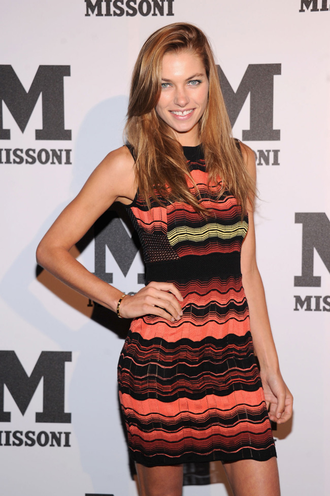 jessica hart hair01 Jessica Hart Debuts Dark Hair at M Missoni Event