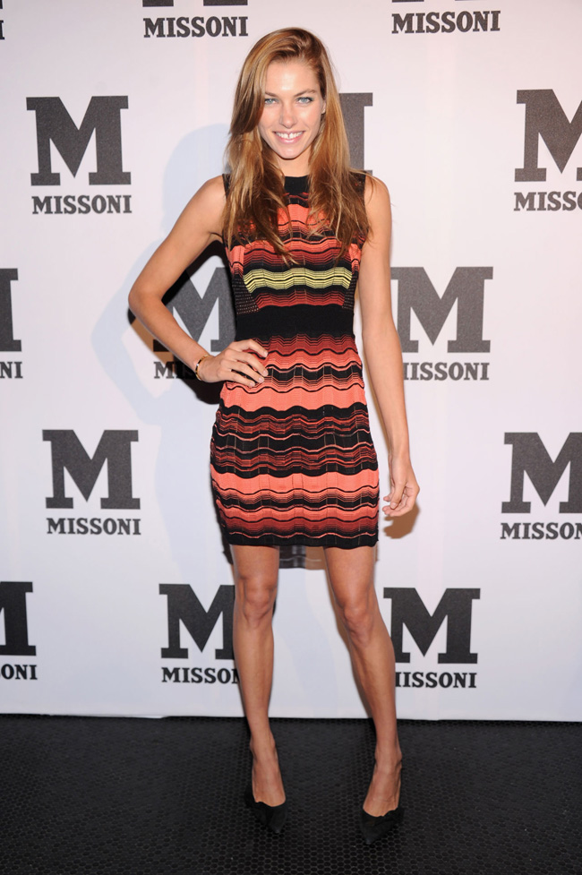 jessica hart hair03 Jessica Hart Debuts Dark Hair at M Missoni Event